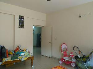 2 BHK Flat for Rent in DSR Green Vista, Whitefield | BEDROOM 2 Picture - 3