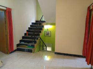 2 BHK Flat for Rent in Himagiri Meadows, Bannerghatta Road | LIVING Picture - 2