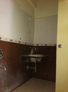 3 BHK Flat for Rent in Satya Greens Apartment, Kodigehalli | Wash Basin, Inside Bathroom