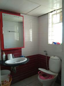 3 BHK Flat for Rent in Nester Raga, Mahadevapura | Commode, Exhaust Fan, Geyser, Mirror, Wash Basin, Inside Bathroom