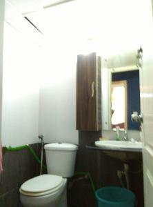 3 BHK Flat for Rent in Nester Raga, Mahadevapura | Commode, Mirror, Wash Basin, From Common Room